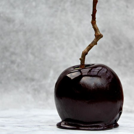 poisoned-toffee-apple