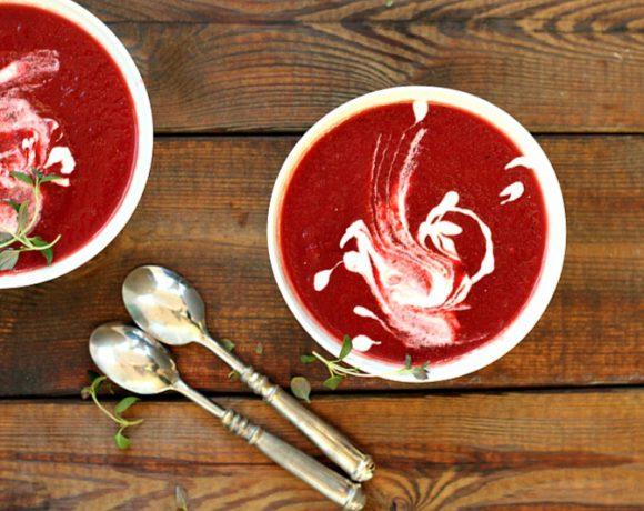 Rødbetesuppe med vodka og rømme