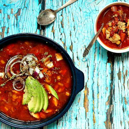 kyllingsuppe-avocado-chili