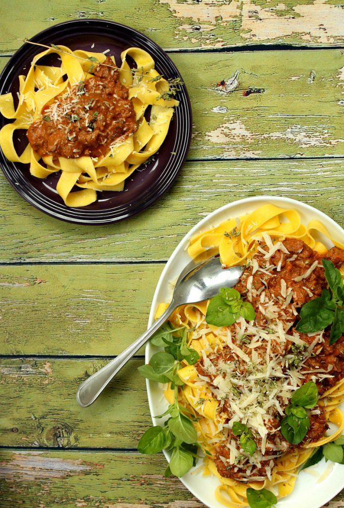 sommer-pasta-bolognese