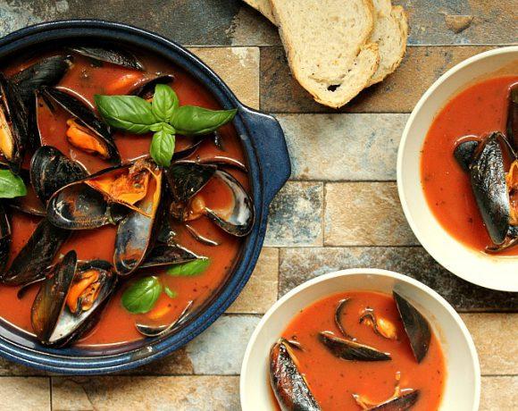 Blåskjell i tomat- og basilikumsaus