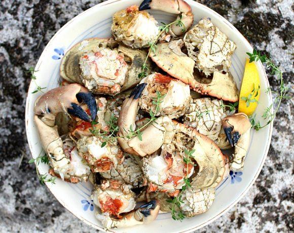 Ferske krabber med tilbehør