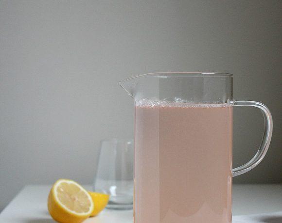 Lemonade med tørket lavendel